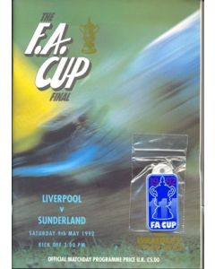 1992 FA Cup Final Programme Liverpool V Sunderland with a rare badge to cover
